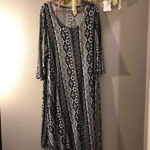 Dresses & Skirts - Maxi Aztec Dress